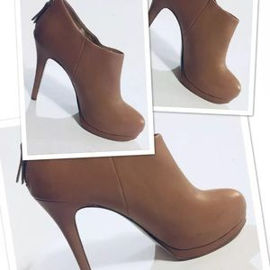 Nine West Haywire Tan Stiletto Platform Booties